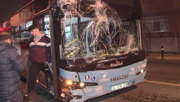 Alkollü sürücü, Halk Otobüsüne çarptı!