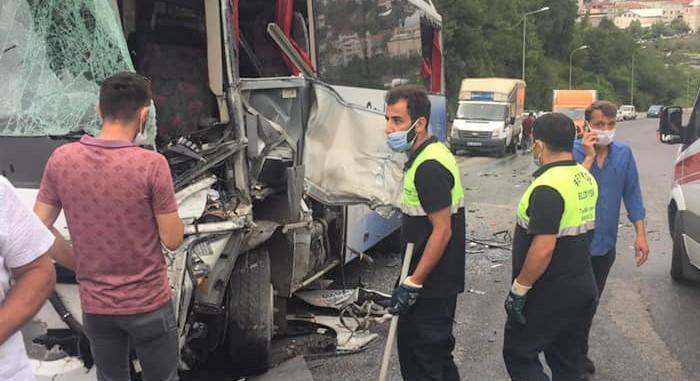 Beykoz'da feci kaza: 7 yaralı!