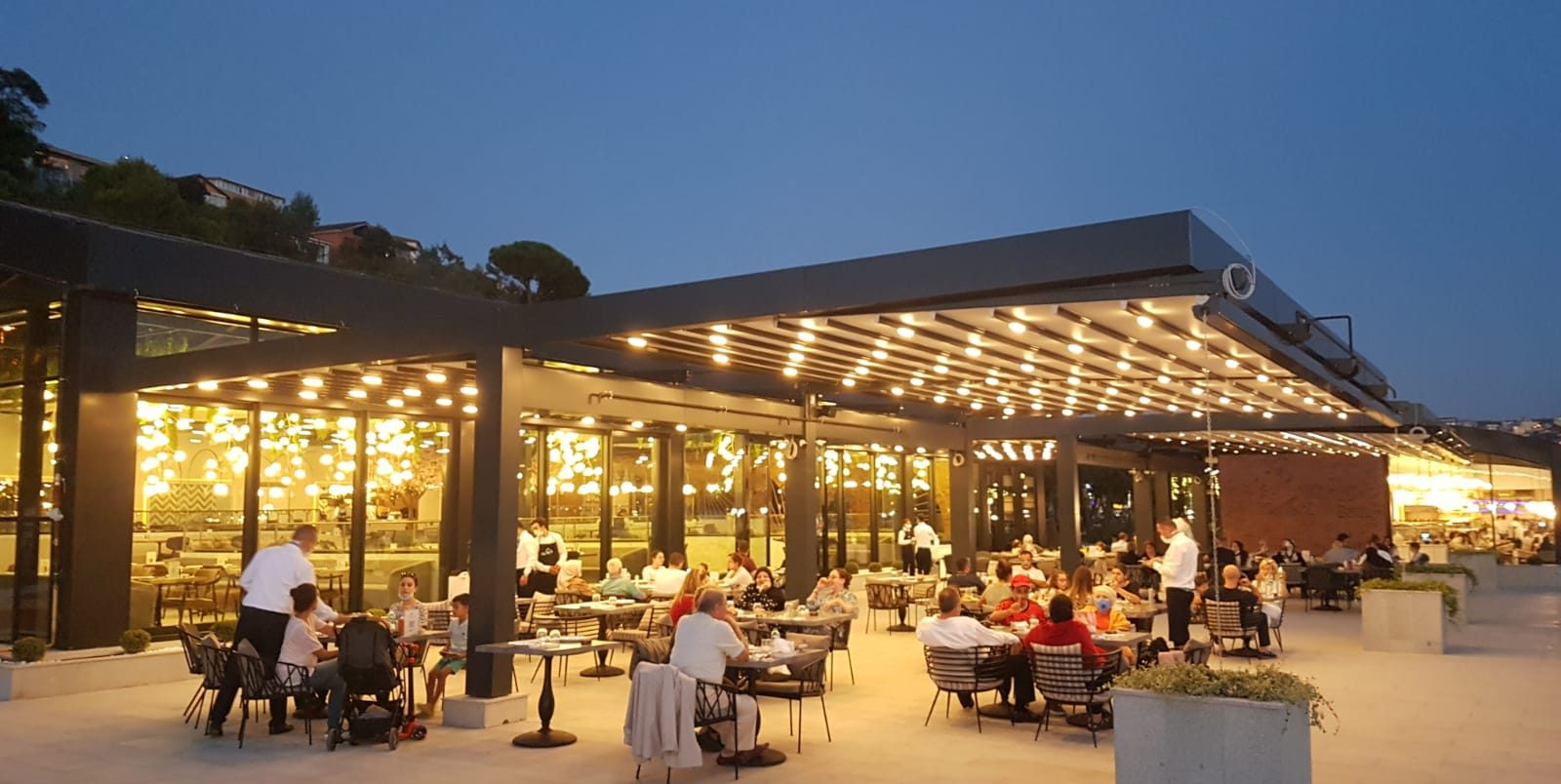 Beykoz sahillerinde İstanbul'a meydan okuyan Restoran!