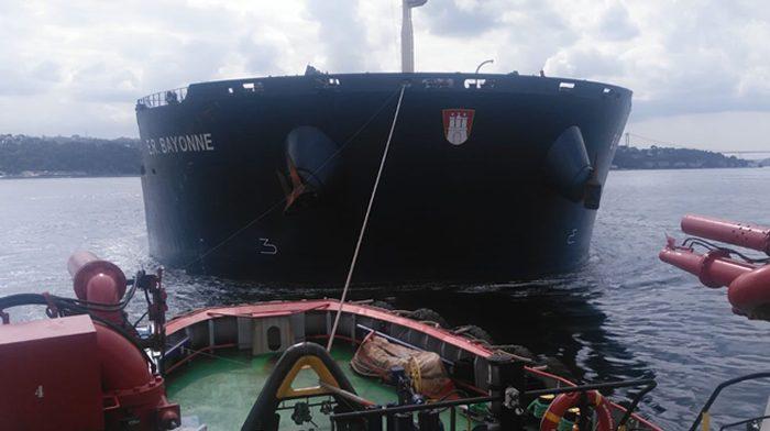 Beykoz açıklarında arızalanan yük gemisi kurtarıldı