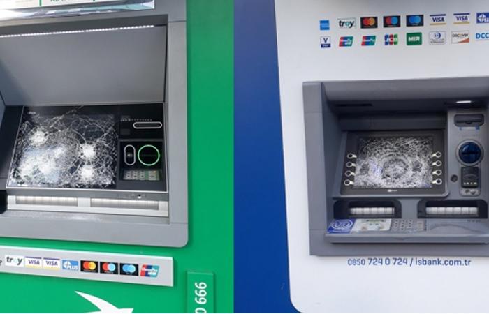 Beykoz'da ki ATM'leri çekiçle parçaladı!