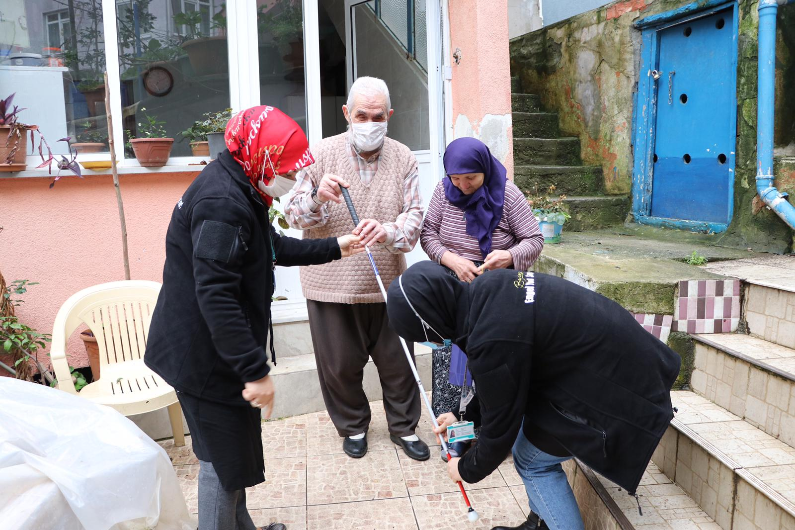 Beykoz'da görme engelliler unutulmuyor