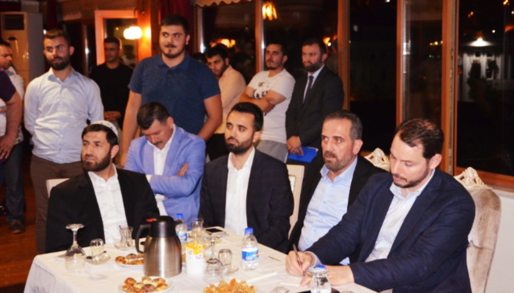 Hanefi Dilmaç Berat Albayrak'ı yüreğine ve sosyal medyaya gömdü!