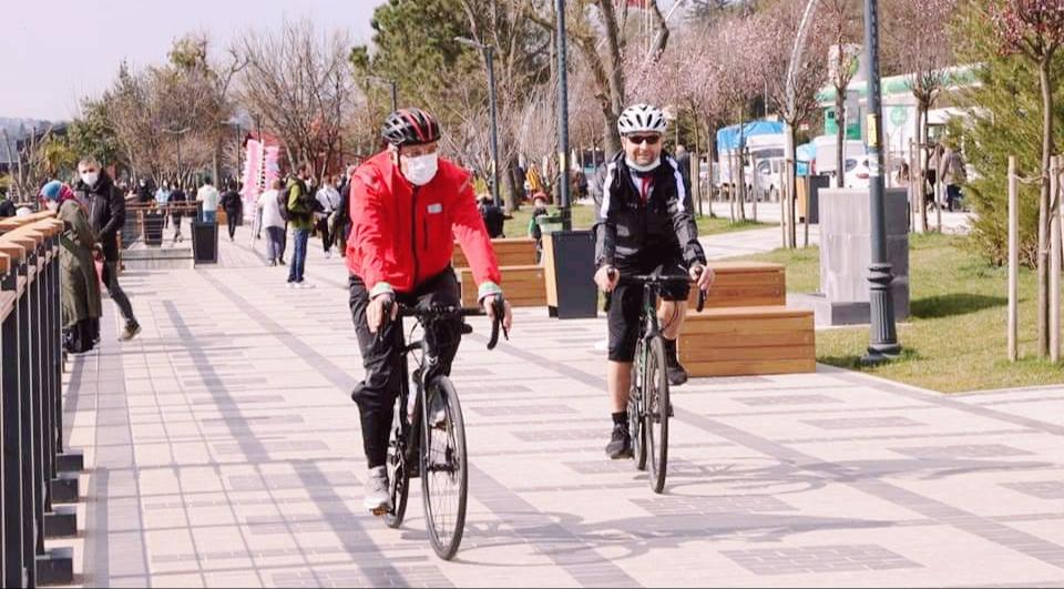 Başkan Murat Aydın'dan Beykoz gençliğine bisiklet çağrısı