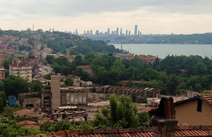 Tarihi Paşabahçe Cam Fabrikası yıkılıyor