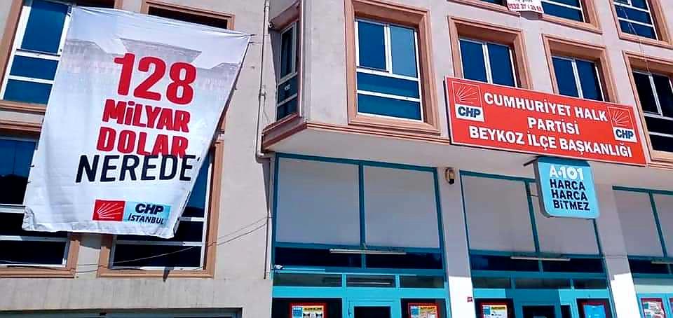CHP Beykoz'da pankart gerginliği sürüyor!