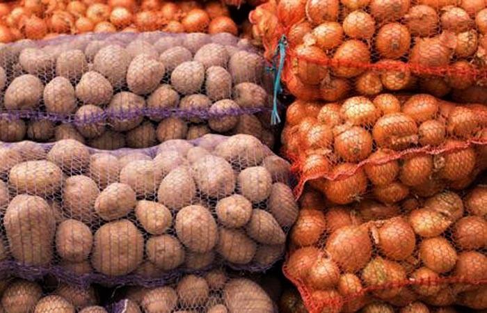 Beykoz'da ücretsiz patates ve soğan dağıtımı