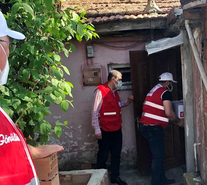 Kızılay, Beykoz'un sokaklarını arşınlıyor