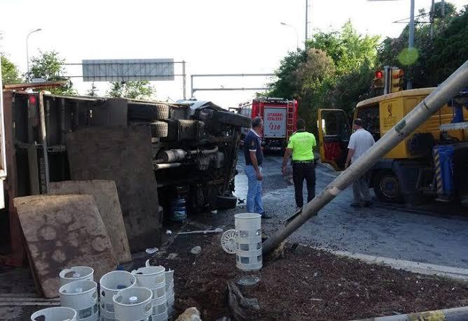 Beykoz'da feci kaza! Otoyol savaş alanına döndü