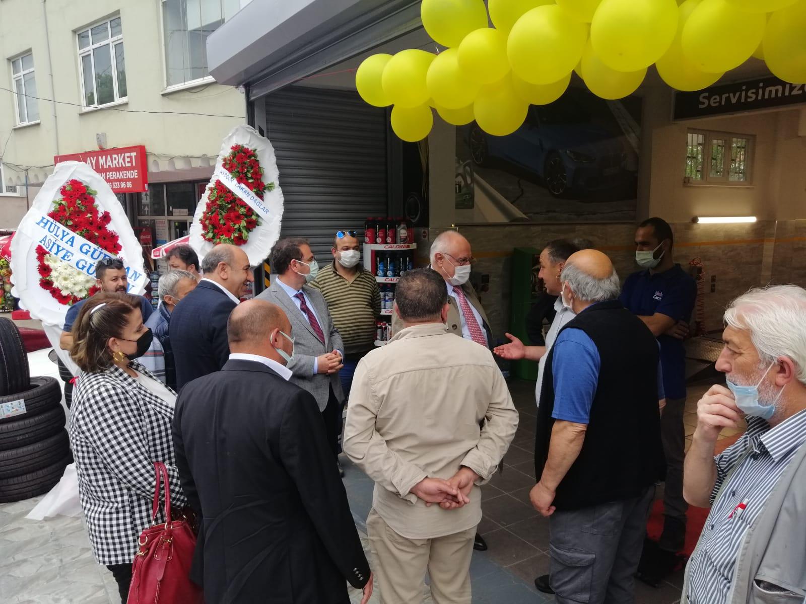 İYİ Parti Beykoz'u sağınak yağış bile engelleyemedi