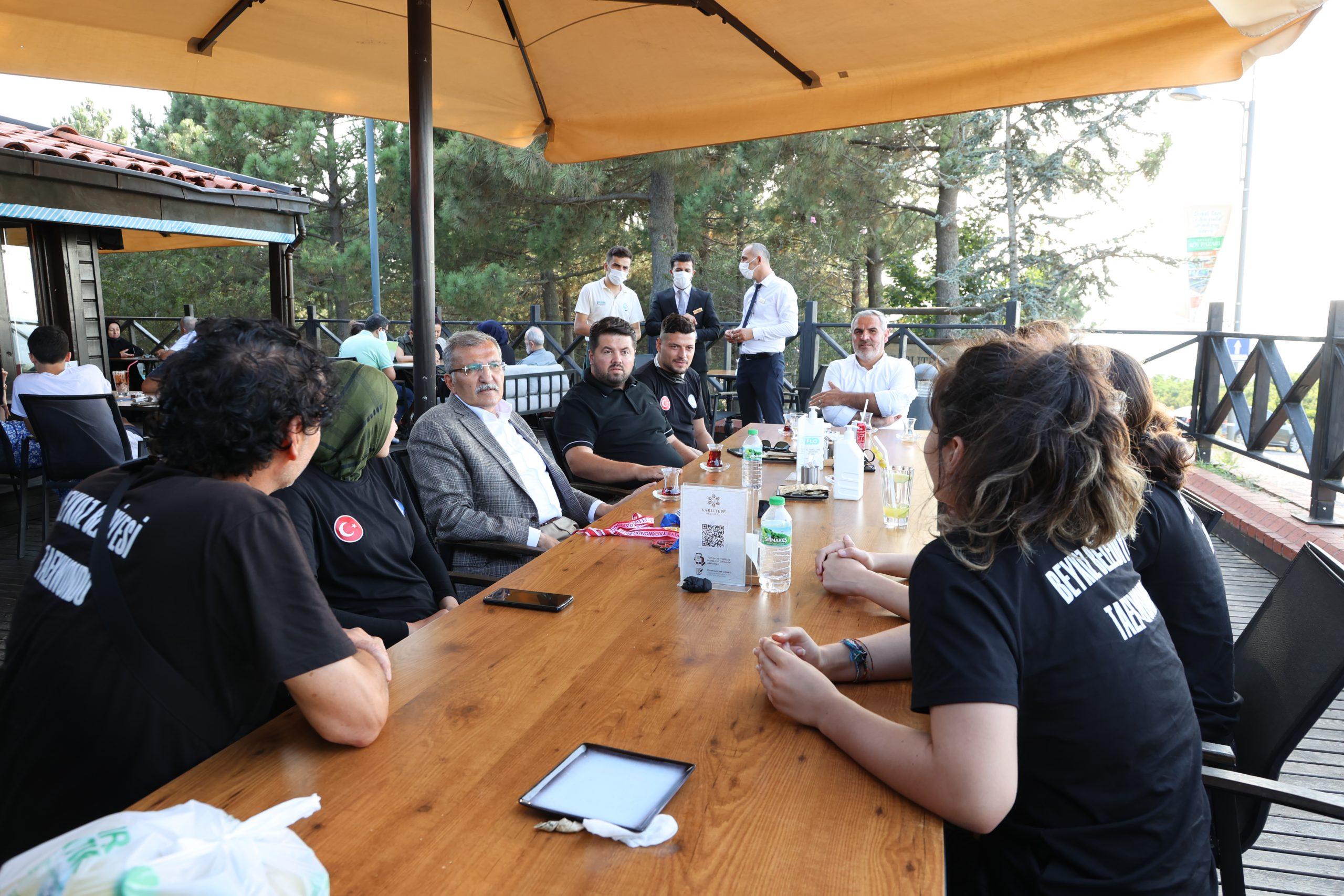 Milli Taekwondocular Beykoz'da ağırlandı